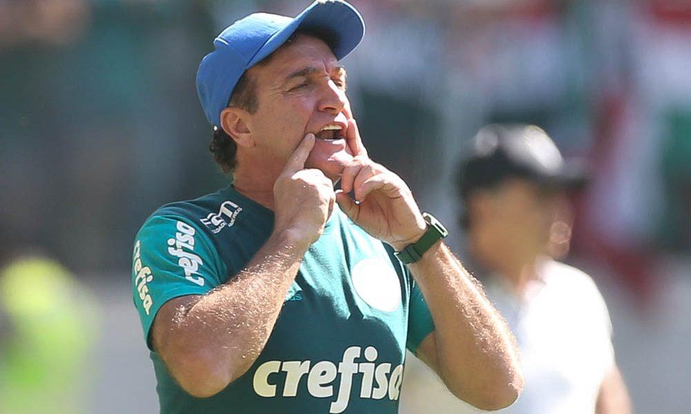 O técnico Cuca, da SE Palmeiras, em jogo contra a equipe do C Atlético Mineiro, durante partida válida pela décima sexta rodada, do Campeonato Brasileiro, Série A, na Arena Allianz Parque.